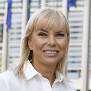 Elżbiet Bieńkowska, EU-Kommissarin Binnenmarkt, Industrie, Unternehmertum und KMU