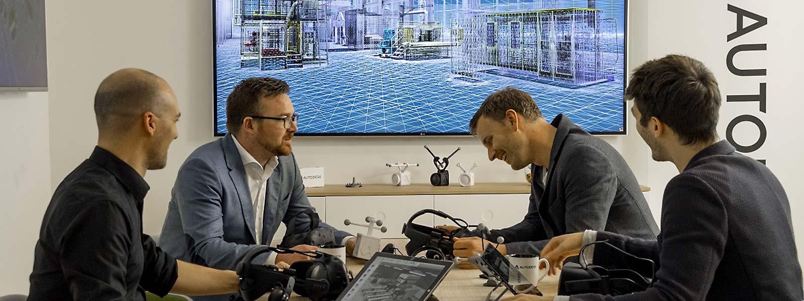 Symbolfoto Besprechung - Varianten sind mit analogen Designmethoden ein kostenintensiver und zeitaufwendiger Prozess