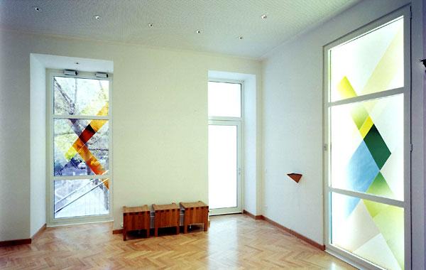 Burjan Kapelle mit Glasfenstern von Oskar Höfinger - CS Caritas Socialis.