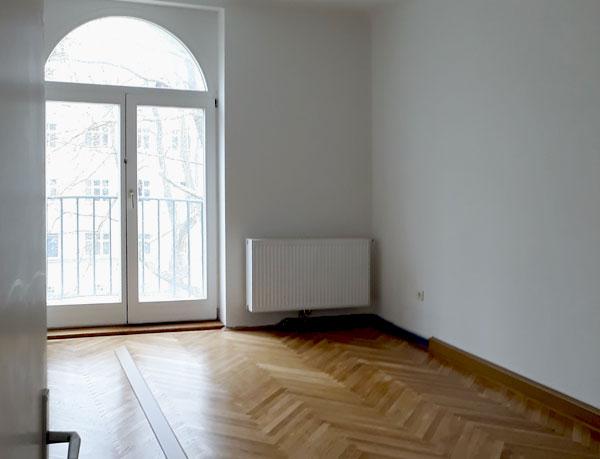 Aufkategorisierung für Wiener Wohnen - Wohnzimmer mit franz. Balkon